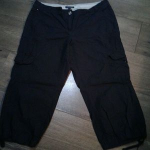 "Tommy Hilfiger black cargo capri pants 36"""